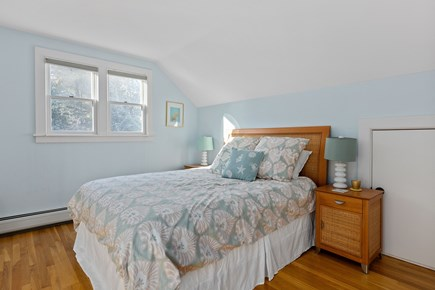 Chatham Cape Cod vacation rental - Bedrm 4 (2nd flr Master w/ en suite, queen bed and reading nook)