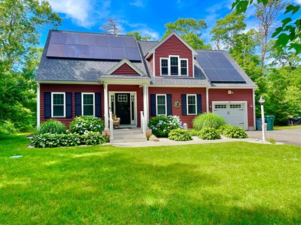 Plymouth MA vacation rental - Spacious front and back yard