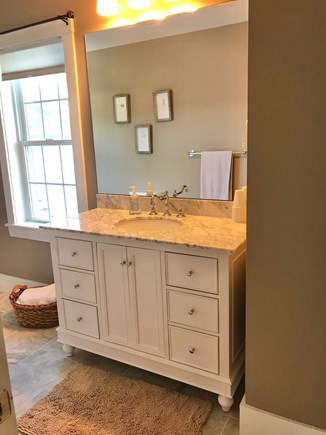 Plymouth MA vacation rental - Second Floor Master Bath
