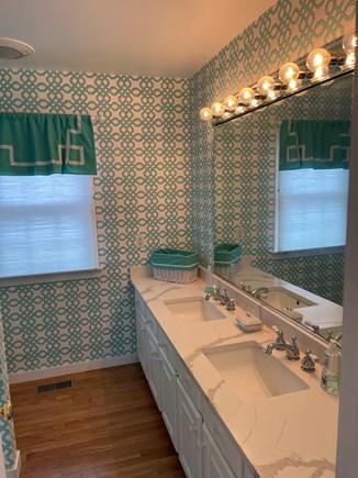 Chatham Cape Cod vacation rental - First floor full bathroom