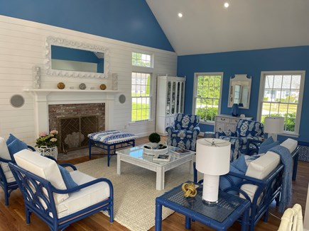 Chatham Cape Cod vacation rental - Stunning decor in family room