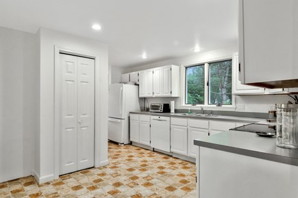 Chatham, 26 Andover Drive Cape Cod vacation rental - Kitchen
