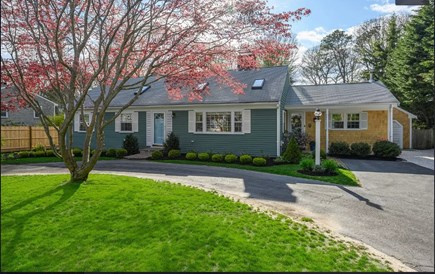 Centerville Cape Cod vacation rental - The front drive to your Hideway.