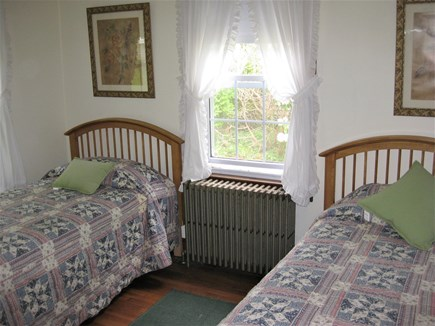 Bourne, Gray Gables Cape Cod vacation rental - Twin beds with new mattresses and bedding