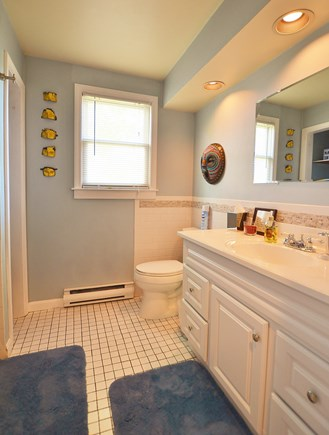 Provincetown Cape Cod vacation rental - Bathroom