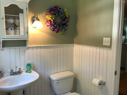 Brewster Cape Cod vacation rental - Upstairs Full Bath
