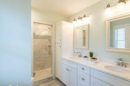 Centerville Centerville vacation rental - Master Bathroom