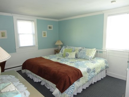 Hyannis Cape Cod vacation rental - Queen bedroom