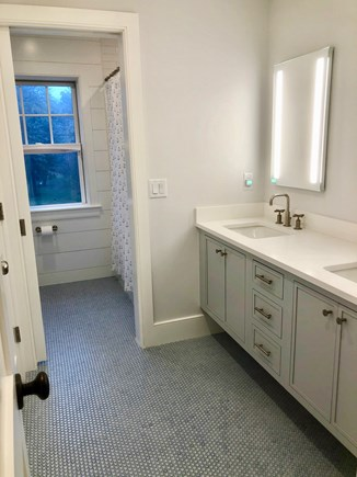 Orleans Cape Cod vacation rental - Kids Bathroom