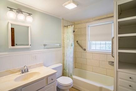 Dennis Port Cape Cod vacation rental - Hallway full bath with tub