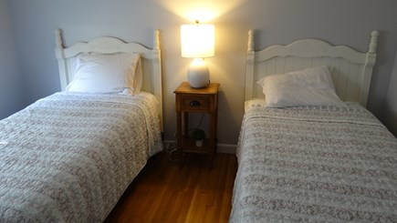 West Dennis  Kelley's Pond Cape Cod vacation rental - Twin Bedroom