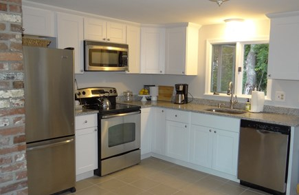West Dennis  Kelley's Pond Cape Cod vacation rental - Granite Counters and Stainless Appliances