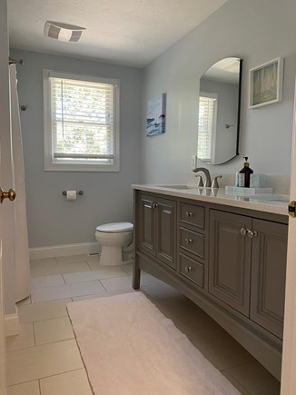 South Chatham Cape Cod vacation rental - Bathroom on a first floor with a tub