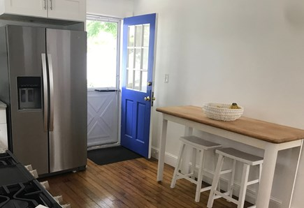 Pocasset, Wenaumet Bluffs Pocasset vacation rental - Kitchen sitting area