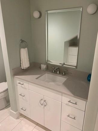 Centerville, Barnstable Centerville vacation rental - Upstairs Bathroom