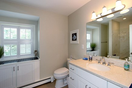Mashpee, Popponesset Cape Cod vacation rental - Bathroom