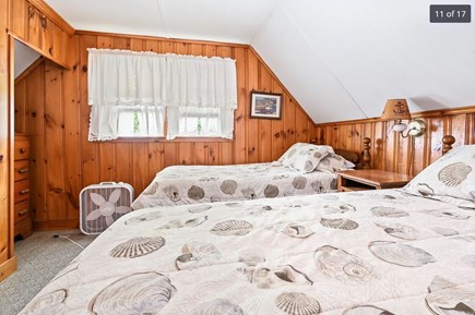 Harwich Port Cape Cod vacation rental - Upstairs bedroom with two twin beds.