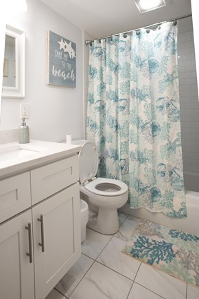 Brights Cove New Seabury New Seabury vacation rental - One of 2 bathrooms