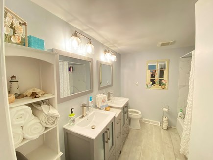 Yarmouth Port Cape Cod vacation rental - New full double sink bathroom