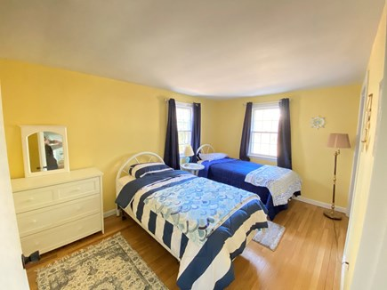 Yarmouth Port Cape Cod vacation rental - 2 twin beds