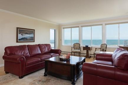Harwich, Oceanfront Condo Cape Cod vacation rental - Comfortable Living room