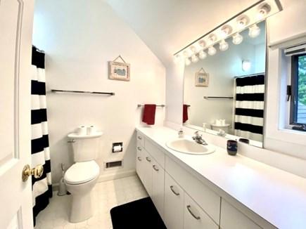 New Seabury, Pool Villa at the Mews Cape Cod vacation rental - Second floor bathroom adjacent to third bedroom