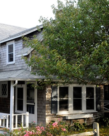 Barnstable, Craigville Cape Cod vacation rental - Cottage available on beautiful Cape Cod, beach access.