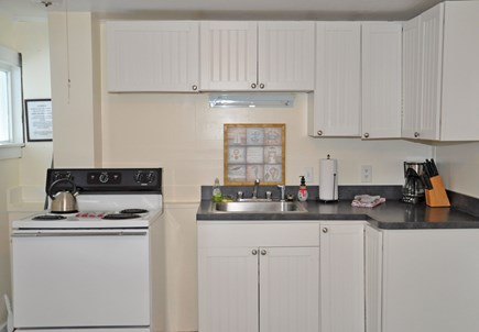 Barnstable, Craigville Cape Cod vacation rental - Kitchen fully equipped.
