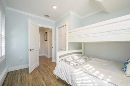 Cotuit Cotuit vacation rental - Bedroom Main home