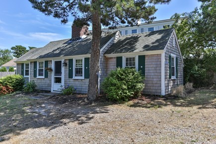 Dennis Port Cape Cod vacation rental - 2 bed/1 bath, AC, one min walk to private association beach