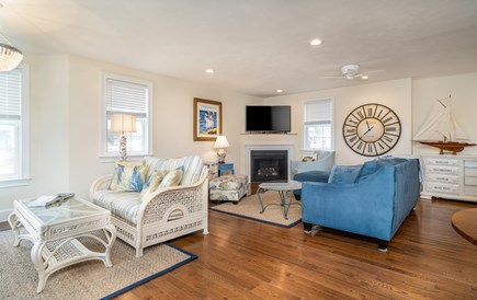Dennis Port Cape Cod vacation rental - Plenty of comfortable seating, natural gas fireplace