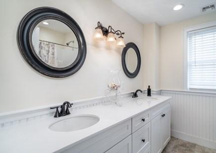 Dennis Port Cape Cod vacation rental - En suite bath with double sinks, bathtub/shower combo