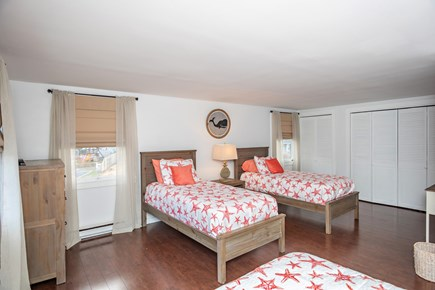 Dennis, Mayflower Beach Cape Cod vacation rental - Bedroom #2-Sleeps 4(Upstairs with 2 twins & 1 double)