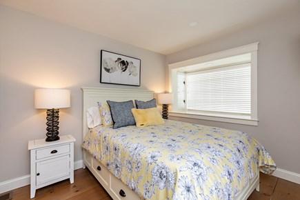 Dennis Village-Mayflower Beach Cape Cod vacation rental - First floor Queen bedroom