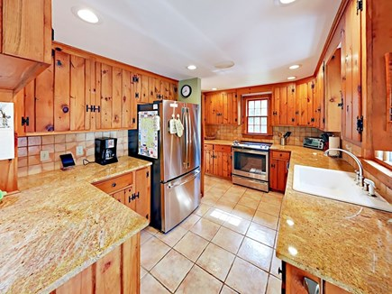 Wellfleet Cape Cod vacation rental - Kitchen with granite countertops