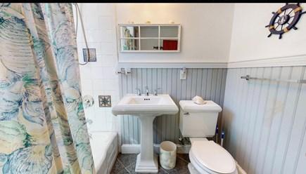 North Dennis, Mayflower Beach  Cape Cod vacation rental - Full Bath