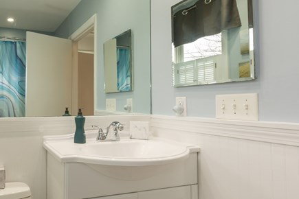 Hyannis Cape Cod vacation rental - Full bath across from master bedroom