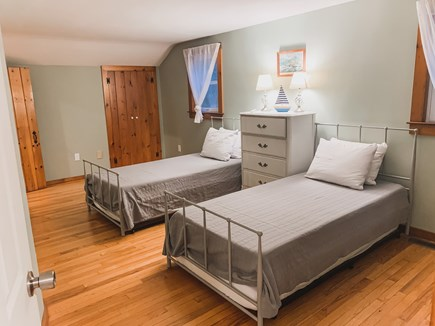 South Dennis Cape Cod vacation rental - Twin bedroom