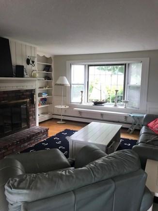 Dennis, Corporation Beach/Howes St Bea Cape Cod vacation rental - Living area