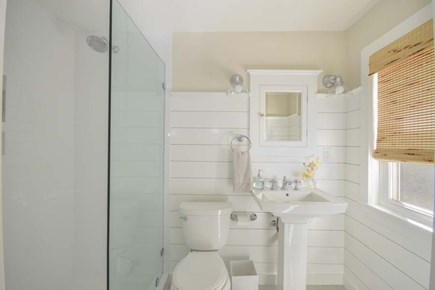 Barnstable Cape Cod vacation rental - Bathroom