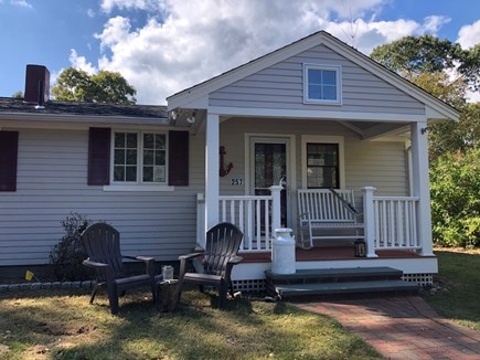 Hyannis, Beach Haven Cottage Cape Cod vacation rental - Lovely Front Porch