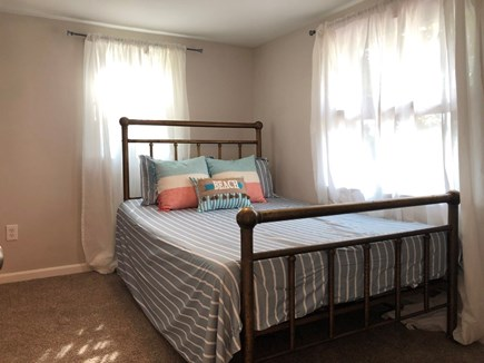 Hyannis, Beach Haven Cottage Cape Cod vacation rental - Double bedroom