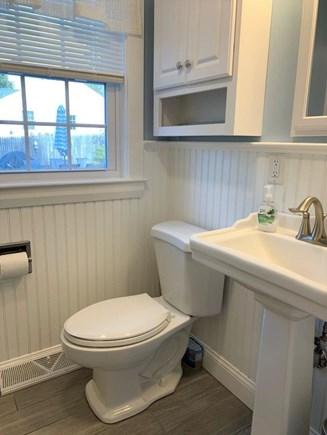 West Dennis Cape Cod vacation rental - Full Bath