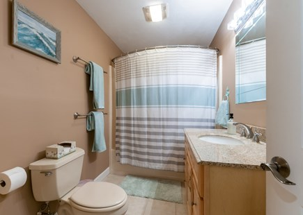 Sandwich Cape Cod vacation rental - Full Bath with tub/shower on main level