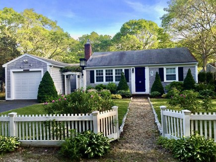 South Yarmouth Cape Cod vacation rental - Updated clean home near best beaches, restaurants, & fun! Perfect