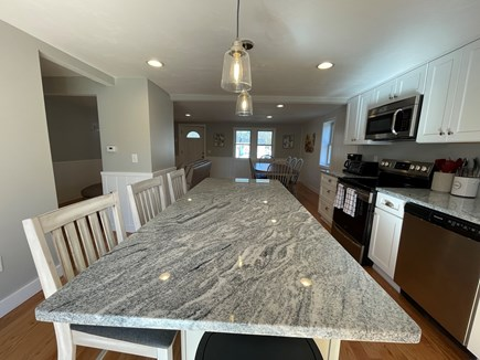 East Falmouth close to Washbur Cape Cod vacation rental - Island Kitchen
