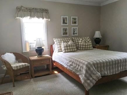 Cotuit- near Loop Beach Cape Cod vacation rental - Beige Room, Queen Bed, 1st floor