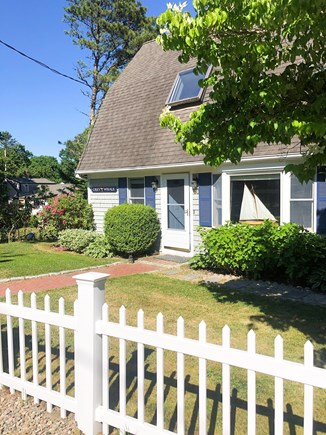 Cotuit- near Loop Beach Cape Cod vacation rental - Front of House