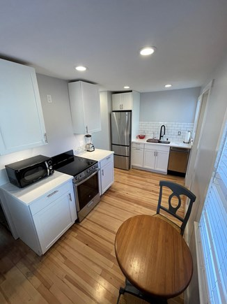 Falmouth, Maravista Cape Cod vacation rental - Eatin Kitchen with bistro table