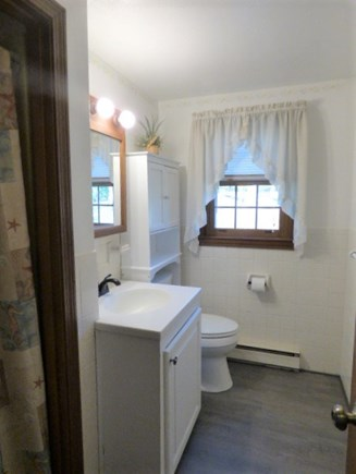 Yarmouthport Cape Cod vacation rental - 1st floor full bath